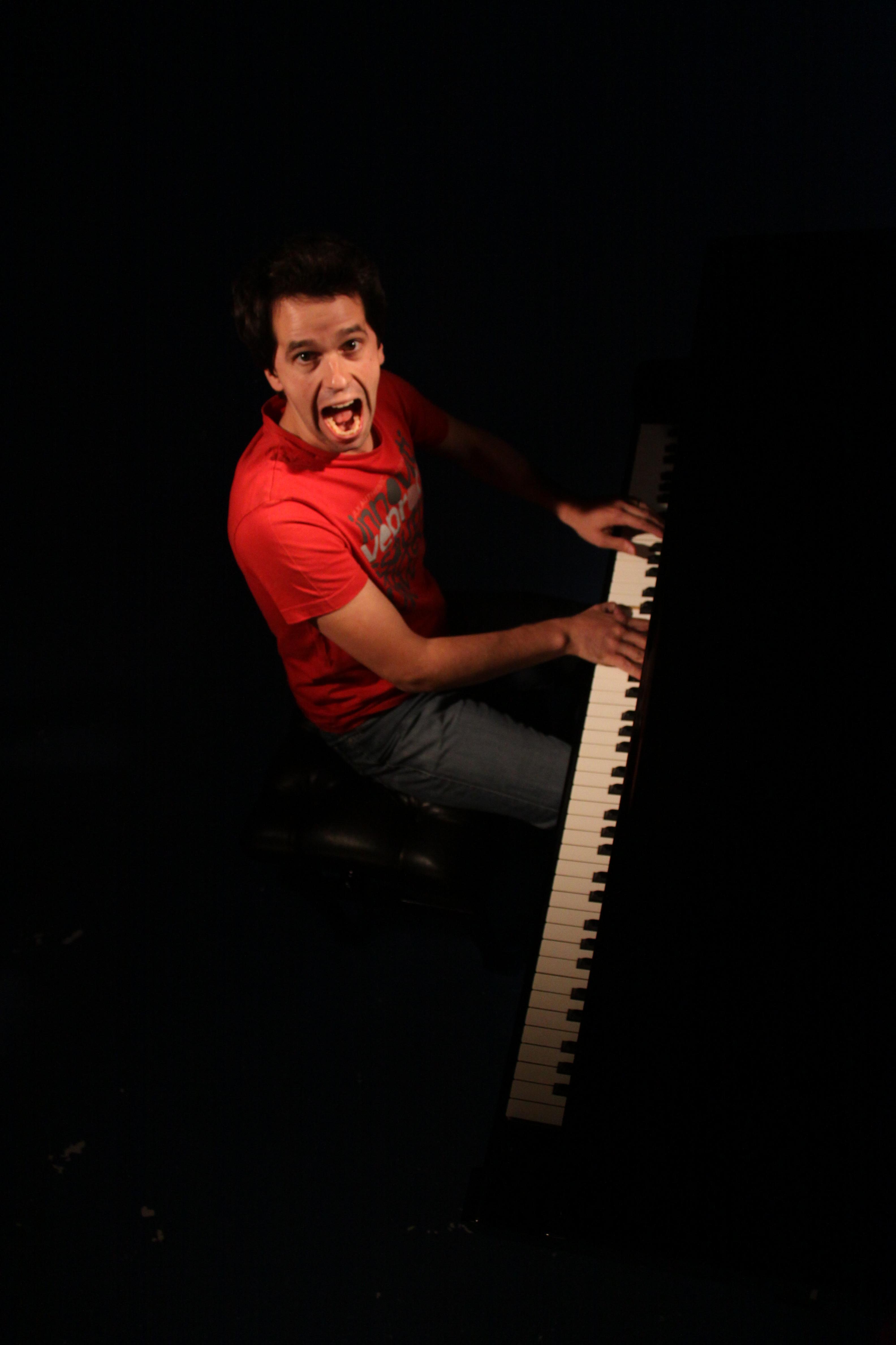 Spectacle Permettez-moi avec Pierre-Yves Plat, pianiste