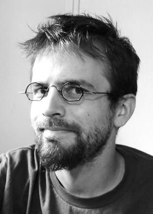 Simon Astié, comédien, auteur, réalisateur, animateur multimédia, graphiste, projectionniste…