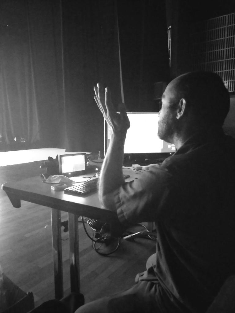 Matthieu Dehoux, créateur lumière, mapping vidéo et Scénographe